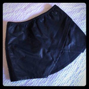 American threads faux leather asymmetric skort